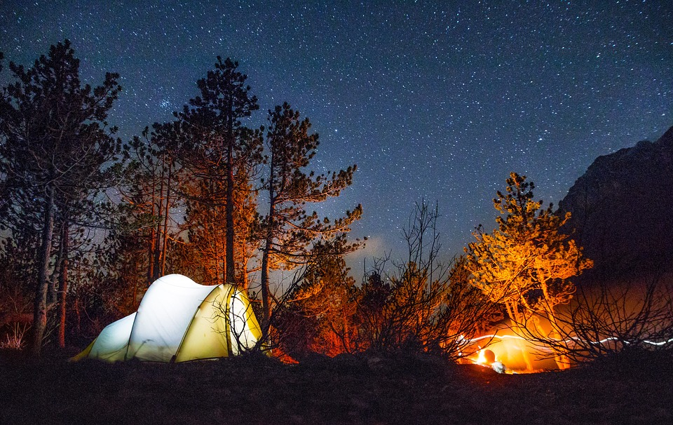 starry night glamping tent